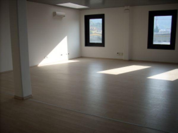 Ufficio / Studio in affitto a Calenzano, 1 locali, Trattative riservate | CambioCasa.it
