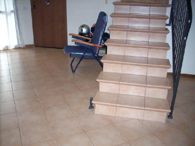 Soluzione Indipendente in vendita a Poggio a Caiano, 3 locali, zona Località: CENTRO, prezzo € 240.000 | Cambio Casa.it