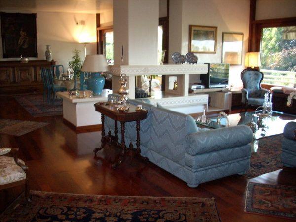 Villa in vendita a Carmignano, 12 locali, Trattative riservate | Cambio Casa.it