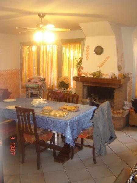 Villa a Schiera in vendita a Signa, 7 locali, prezzo € 390.000   CambioCasa.it