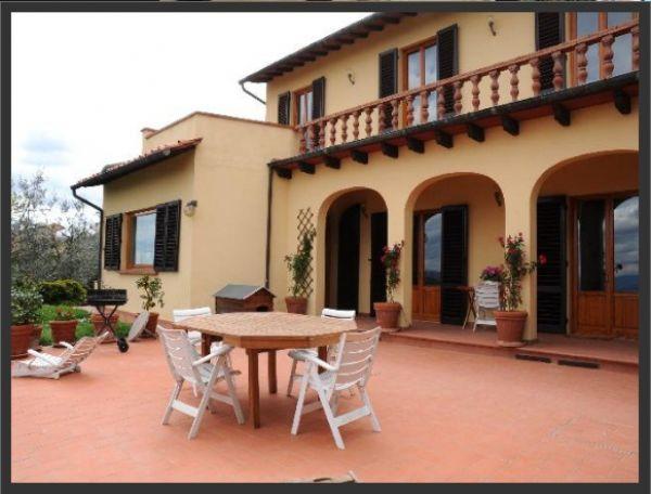 Rustico / Casale in vendita a Carmignano, 8 locali, zona Località: La Rocca, prezzo € 1.050.000 | Cambio Casa.it