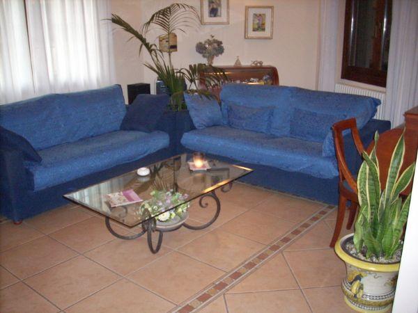 Villa in vendita a Poggio a Caiano, 8 locali, prezzo € 550.000 | Cambio Casa.it