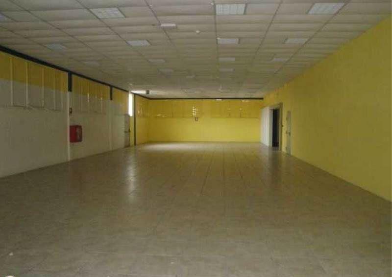 Negozio / Locale in affitto a Calenzano, 2 locali, prezzo € 9.000 | Cambio Casa.it