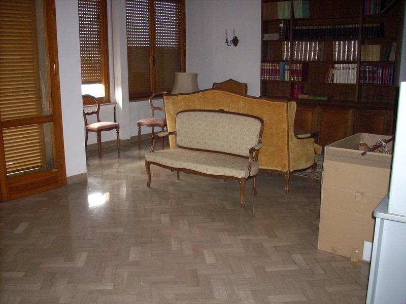 Appartamento in vendita a Prato, 6 locali, prezzo € 350.000   PortaleAgenzieImmobiliari.it
