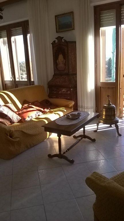 Appartamento in vendita a Campi Bisenzio, 6 locali, prezzo € 360.000 | PortaleAgenzieImmobiliari.it