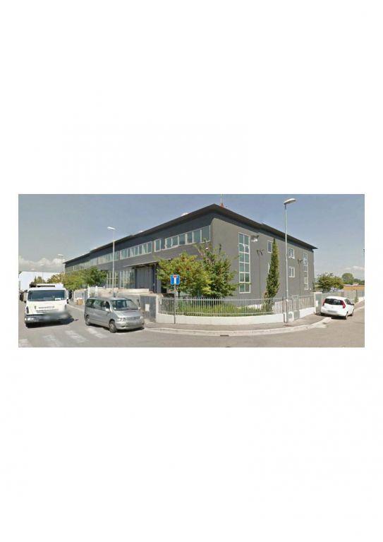 Magazzino - capannone in ottime condizioni in vendita Rif. 10061597