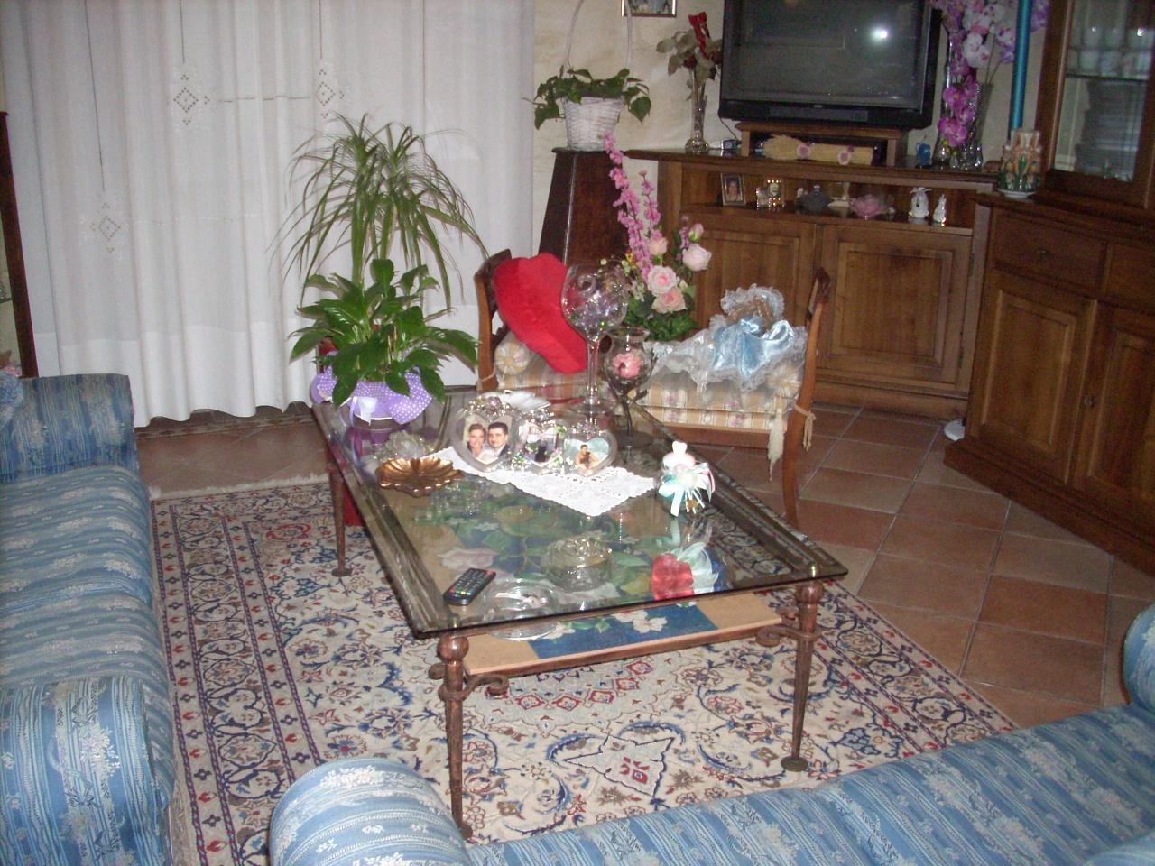 Appartamento in vendita a Prato, 5 locali, prezzo € 230.000 | PortaleAgenzieImmobiliari.it