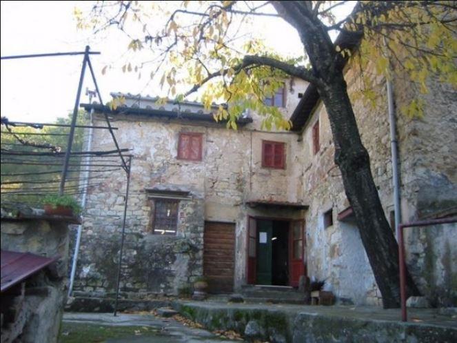 Rustico / Casale in Vendita a Calenzano