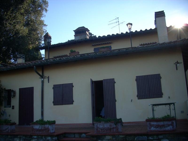 Colonica in vendita a Carmignano (PO)