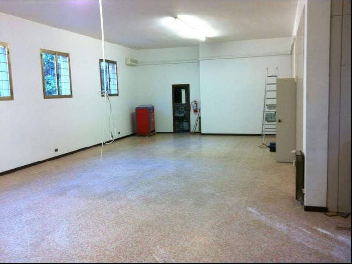 Magazzino - capannone ristrutturato in affitto Rif. 5816447