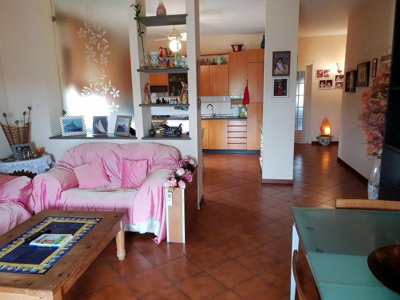 Appartamento in vendita a Quarrata, 4 locali, prezzo € 205.000   CambioCasa.it
