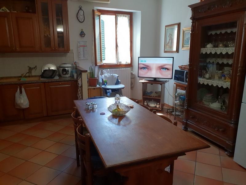 Appartamento in vendita a Signa, 6 locali, prezzo € 200.000 | CambioCasa.it