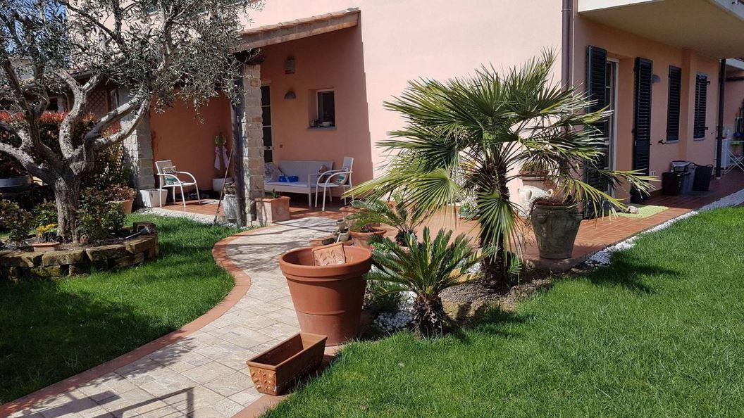 Appartamento in vendita a Carmignano, 5 locali, prezzo € 320.000 | PortaleAgenzieImmobiliari.it