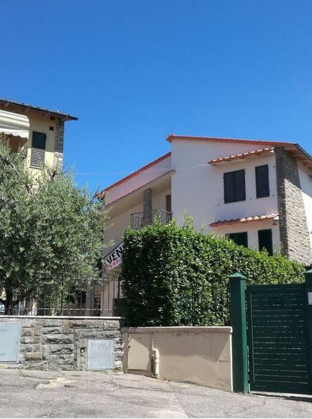 Appartamento in vendita a Signa, 4 locali, prezzo € 325.000 | CambioCasa.it