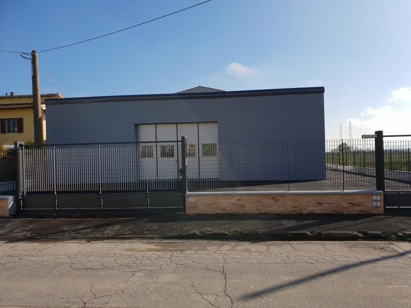Magazzino - capannone ristrutturato in affitto Rif. 8529775