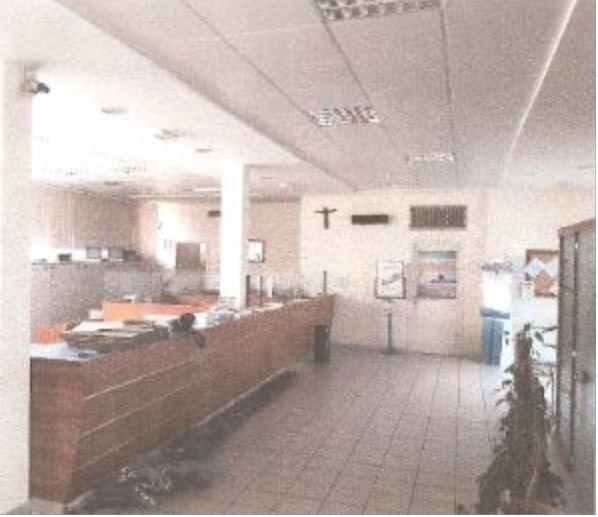 Negozio / Locale in affitto a Poggio a Caiano, 4 locali, prezzo € 3.500 | CambioCasa.it