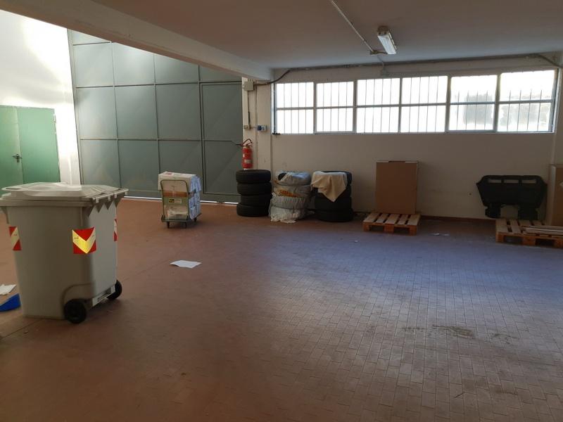 Magazzino - capannone in buone condizioni in affitto Rif. 9281462