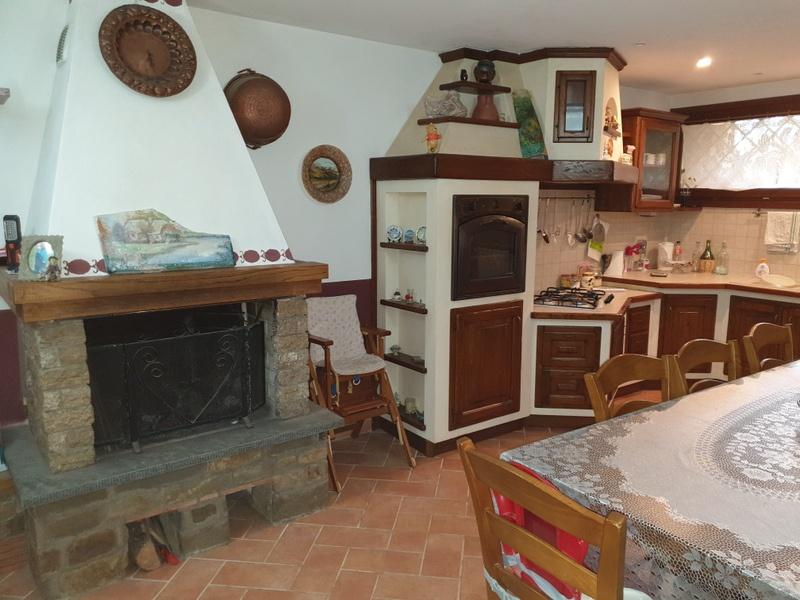 Appartamento in vendita a Carmignano, 5 locali, prezzo € 250.000 | PortaleAgenzieImmobiliari.it