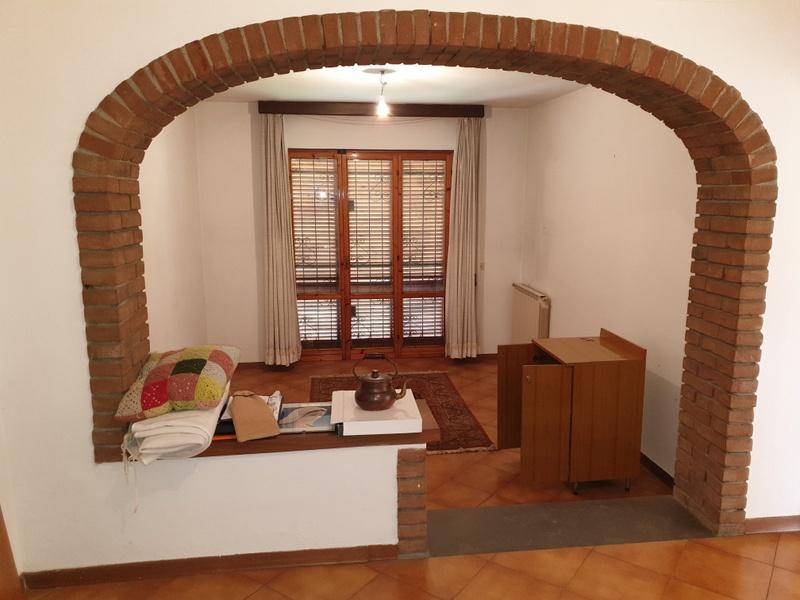 Soluzione Indipendente in vendita a Signa, 8 locali, prezzo € 310.000 | CambioCasa.it