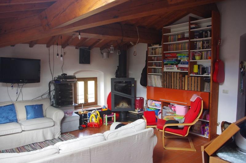 Appartamento in vendita a Carmignano, 5 locali, prezzo € 200.000   CambioCasa.it
