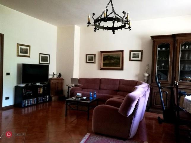 Villa a Schiera in Vendita a Signa