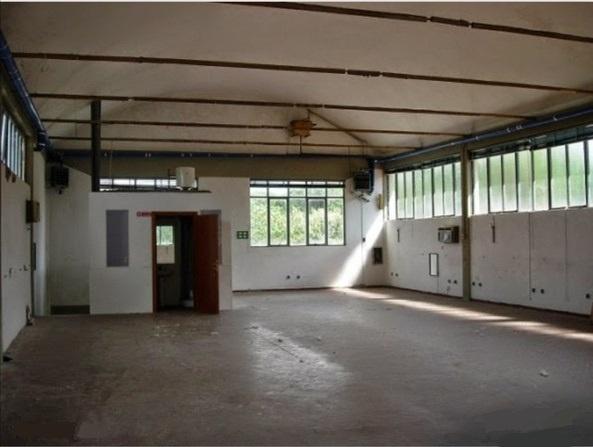 Magazzino - capannone in buone condizioni in vendita Rif. 11680213