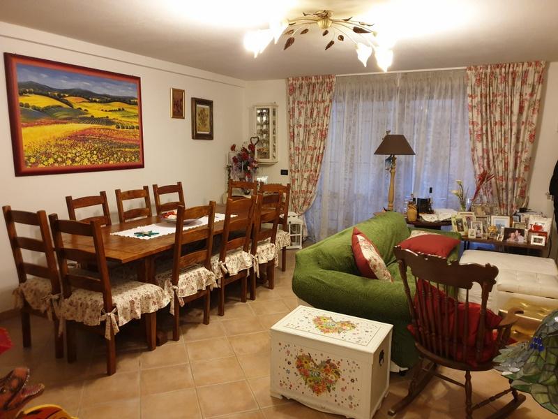 Appartamento in vendita a Carmignano, 5 locali, prezzo € 270.000 | PortaleAgenzieImmobiliari.it