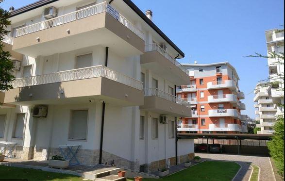 Appartamento in vendita a Campi Bisenzio, 4 locali, prezzo € 195.000 | PortaleAgenzieImmobiliari.it