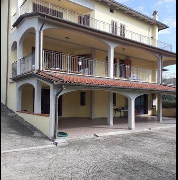 Villa in Vendita a Quarrata
