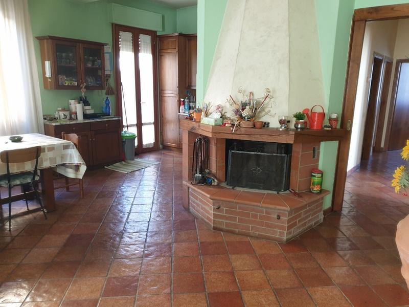 Appartamento in vendita a Campi Bisenzio, 5 locali, prezzo € 350.000 | PortaleAgenzieImmobiliari.it