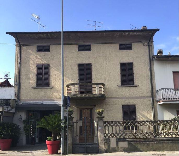 Soluzione Indipendente in vendita a Quarrata, 8 locali, prezzo € 285.000   CambioCasa.it
