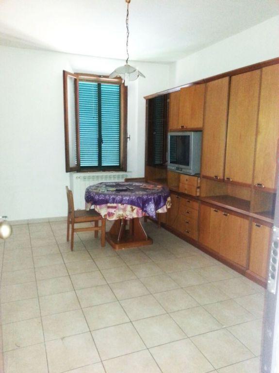 Appartamento in vendita a Gavorrano, 4 locali, zona Località: GENERICA, prezzo € 105.000 | Cambio Casa.it