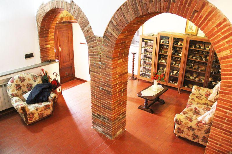 Soluzione Indipendente in vendita a Gavorrano, 8 locali, zona Località: GENERICA, prezzo € 300.000 | Cambio Casa.it