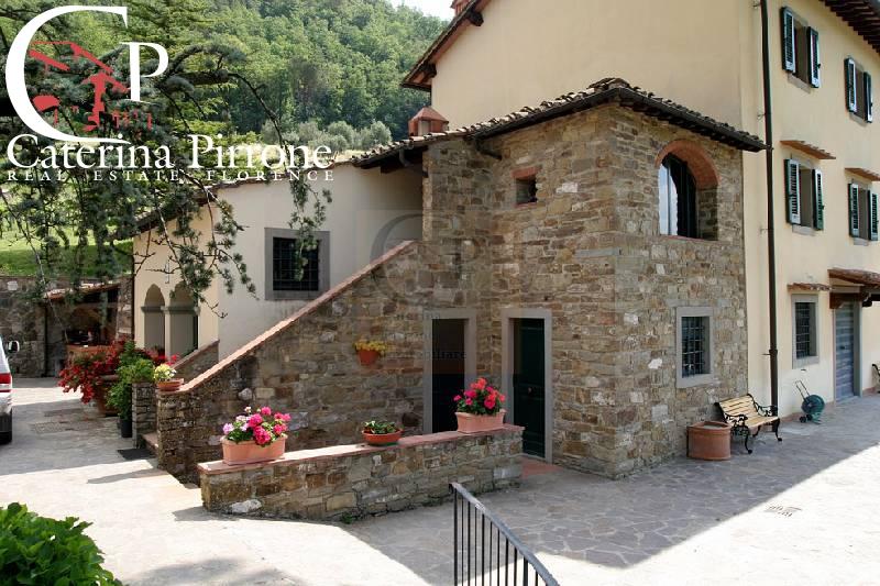 Rustico / Casale in vendita a Dicomano, 15 locali, zona Località: Campagna, prezzo € 2.000.000 | Cambio Casa.it