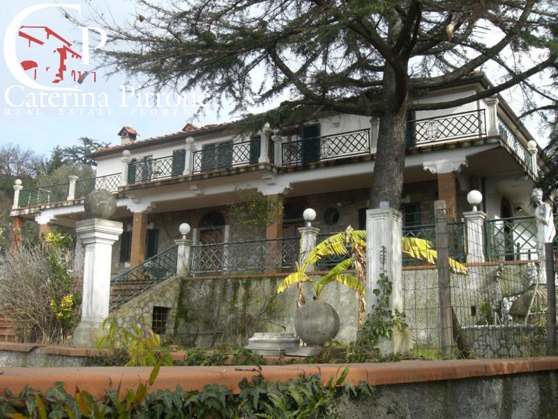Villa in vendita a Massarosa, 13 locali, zona Località: GENERICA, prezzo € 1.100.000 | Cambio Casa.it
