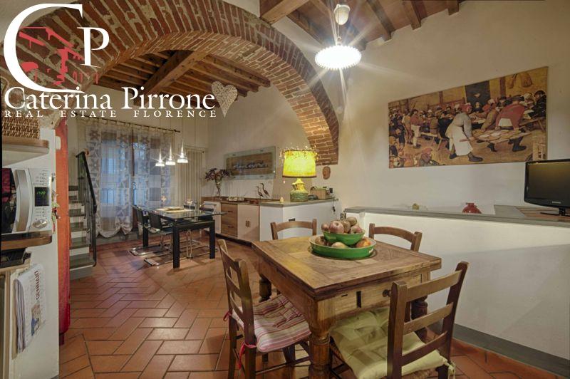 Appartamento in vendita a Bagno a Ripoli, 7 locali, prezzo € 800.000 | CambioCasa.it