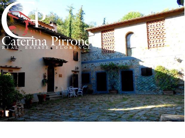 Rustico / Casale in vendita a Greve in Chianti, 10 locali, prezzo € 750.000 | CambioCasa.it