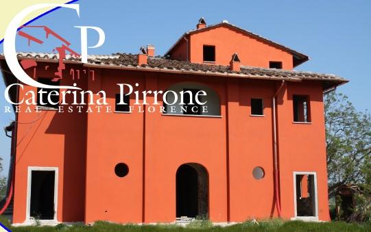 Albergo in vendita a Fucecchio, 80 locali, prezzo € 2.500.000 | CambioCasa.it