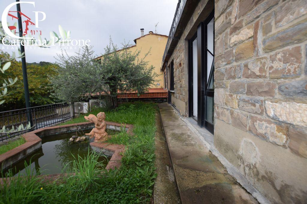 Laboratorio in affitto a Firenze, 4 locali, prezzo € 550 | CambioCasa.it
