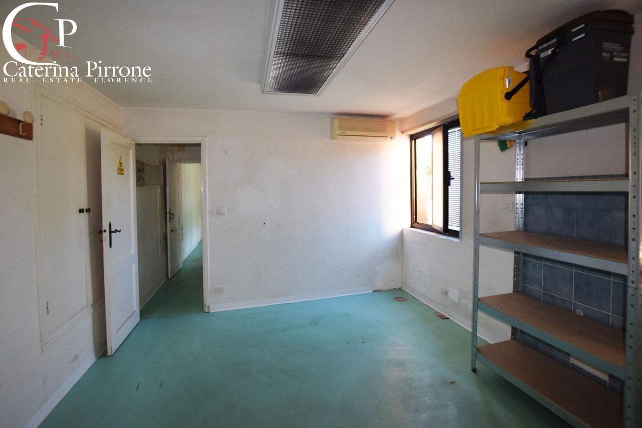 Magazzino in affitto a Firenze, 3 locali, prezzo € 450 | CambioCasa.it