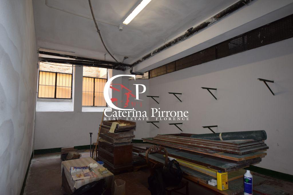 Box / Garage in affitto a Firenze, 1 locali, zona Località: BECCARIA / OBERDAN, prezzo € 330   Cambio Casa.it
