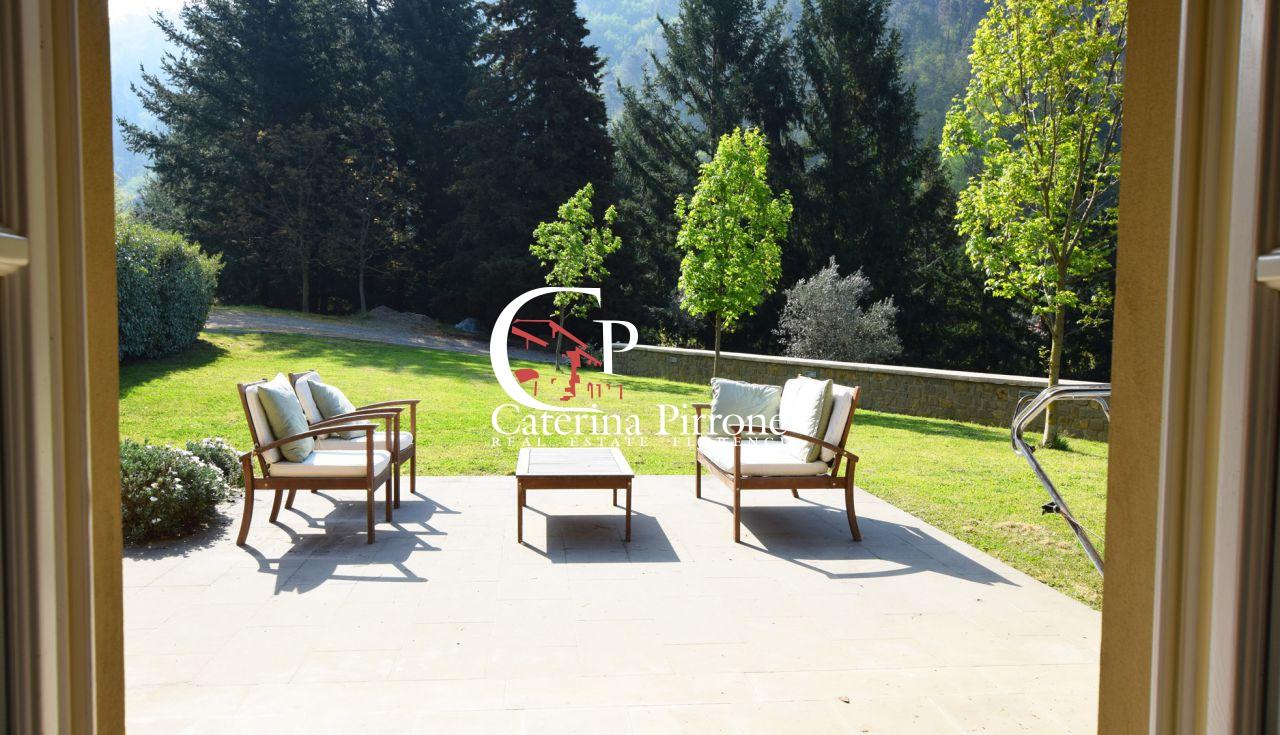 Villa in Vendita a Reggello