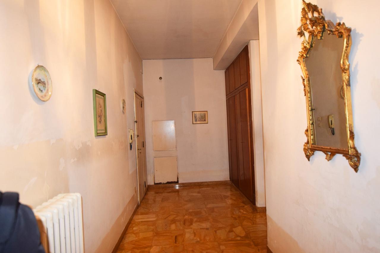 Appartamento in vendita a Firenze, 3 locali, prezzo € 230.000 | CambioCasa.it