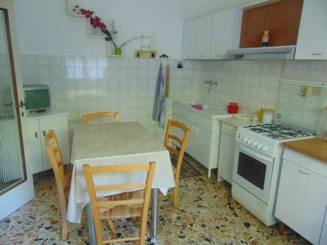 Appartamento in buone condizioni arredato in affitto Rif. 7776626