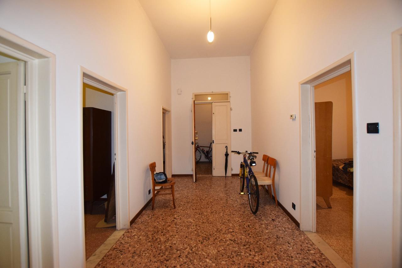 Appartamento in buone condizioni in vendita Rif. 8709194