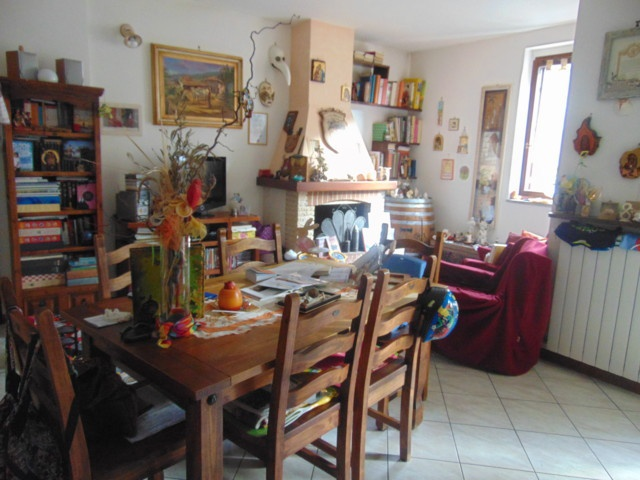 Appartamento in ottime condizioni in vendita Rif. 9636131