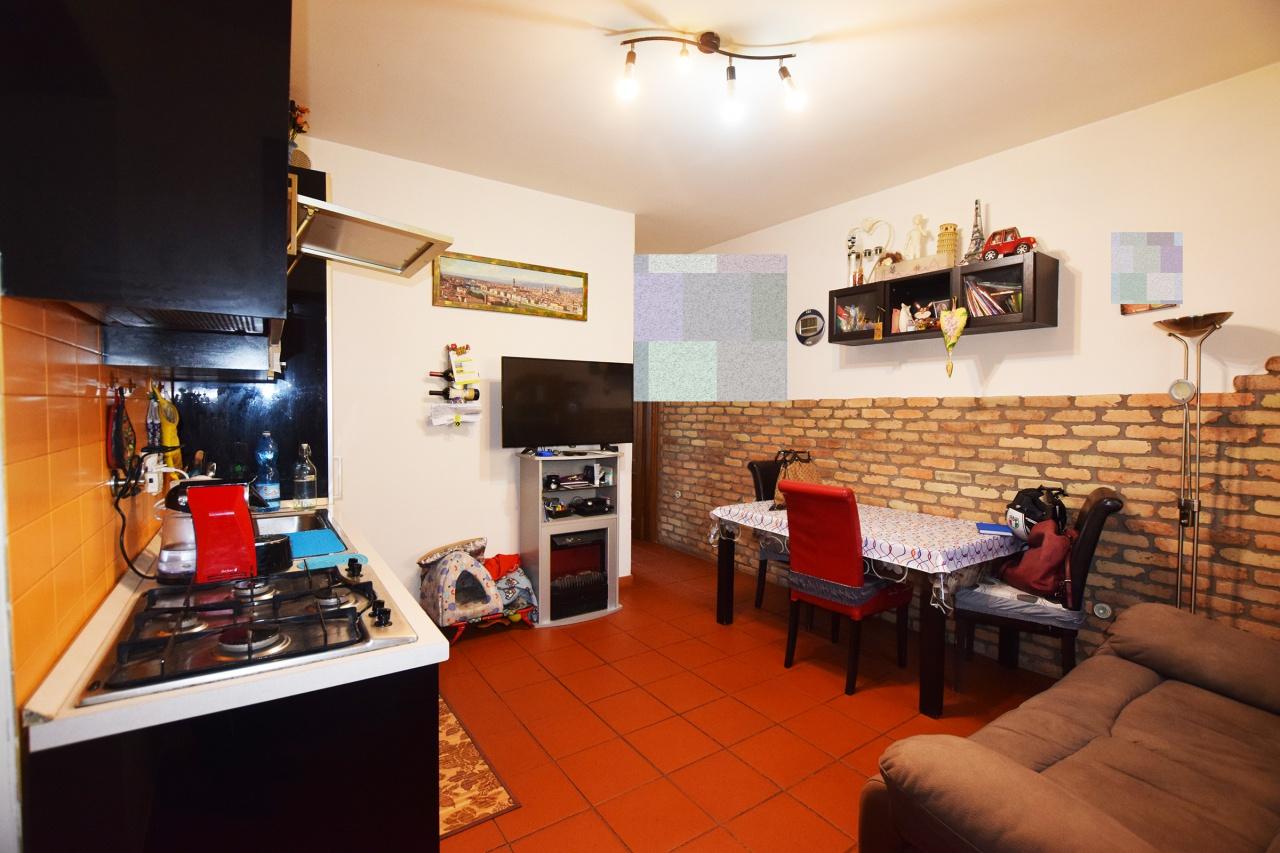 Appartamento in ottime condizioni in vendita Rif. 9828336