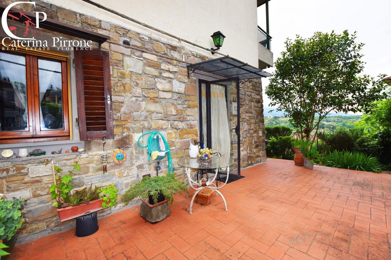 Appartamento in buone condizioni in vendita Rif. 10260889