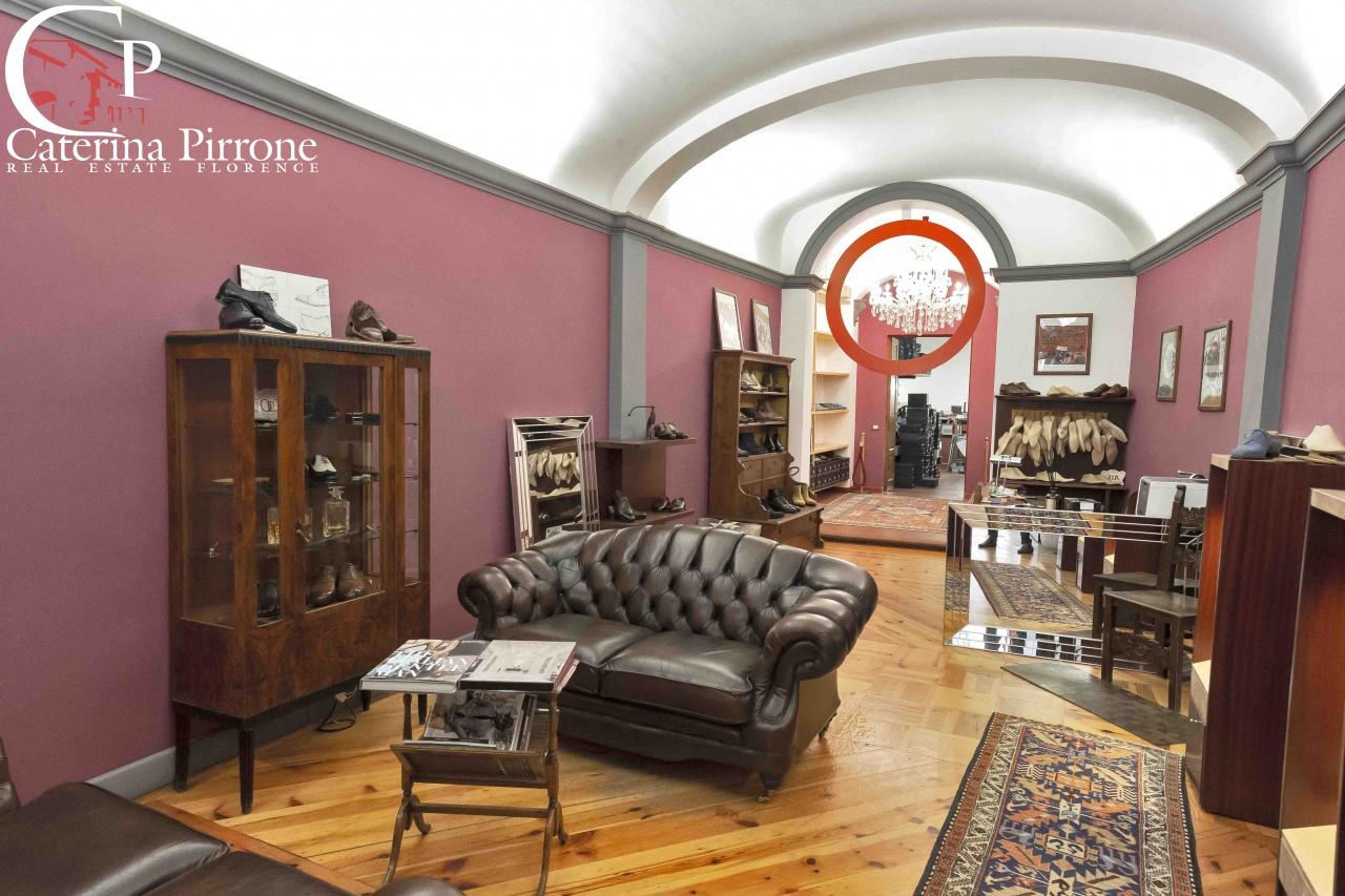 Negozio / Locale in affitto a Firenze, 3 locali, prezzo € 2.500 | CambioCasa.it