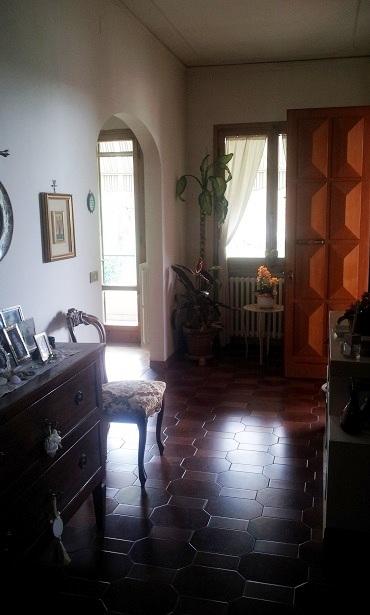 Villa in vendita a Poggio a Caiano, 15 locali, prezzo € 750.000 | CambioCasa.it